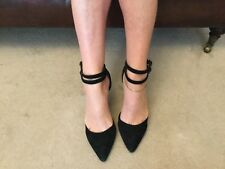 Very well worn black womens French connection suede stiletto  shoes size 5