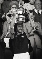West Ham Billy Bonds Celebrates 1975 FA Cup Final Win BW POSTER