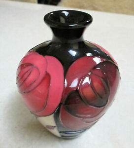 "Beautiful  MOORCROFT  ""Red Roses""  10cm Vase  1st Quality   Excellent Condition."