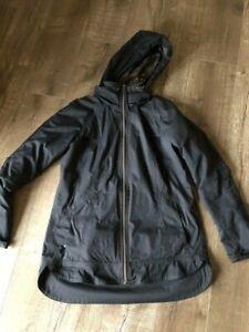 Lululemon Fo Drizzle Jacket size 6 Black/Camo