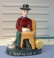 Statuette figurine porcelaine: Le rempailleur de chaise…