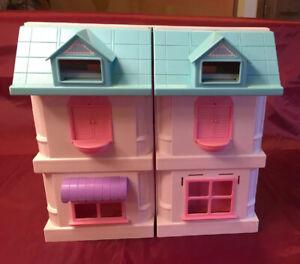 Sweet Home Plastic Dollhouse,  Furniture, Figurines