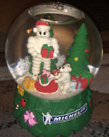 MICHELIN MAN GLASS MUSICAL SNOW GLOBE MUSIC BOX w/ MR BIB DOG CHRISTMAS GLOBE
