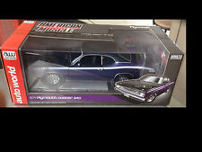 1971 Plymouth Duster 340 InViolet 1:18 Autoworld 1052