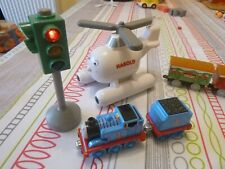 thomas diecast take n play train/christmas carriages/harold with sounds