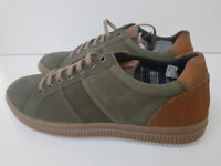 Base London MensUK8 Rubix Softy Lace Up Suede Casual Trainers Green (sample)