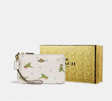 ❤️ Coach Rexy White/Gold Leather Wristlet