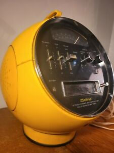 Weltron 2001 8 Track player Radio AM/FM Yellow Vtg 70s Space Ball diving Helmet