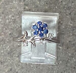 Vintage 10K White Gold Blue Sapphire & Diamond Flower Ring