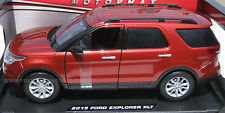 Motormax 1/18 2015 Ford Explorer XLT RED -