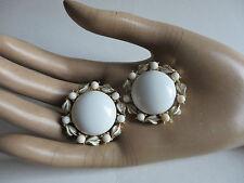 "opulente""Coro""sign.designer Ohrclips-Thermoset-Milchglas*weiß*-50er/60er J.-USA!"