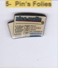 M2# Pinsfolies *** Pin's Badge  Media Presse ecrite Edition  Nice Matin