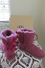 UGG BAILEY BOW PURPLE PINK SUEDE SHEEPSKIN BOOTS YOUTH SIZE US 5 FIT'S WOMEN'S 7