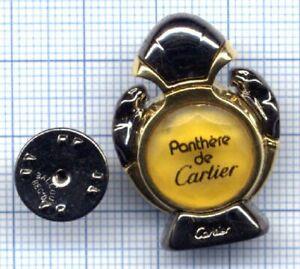 Pin's parfum Panthère de CARTIER PARIS en forme relief du flacon Flagrance Luxe