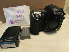Fuji S5 Pro Digital Camera  Perfect, Only 1900 shutter actuations very low