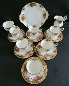 ROYAL ALBERT OLD COUNTRY ROSES 21 PIECE TEA SET - 1962/73 - EXCELLENT CONDITION