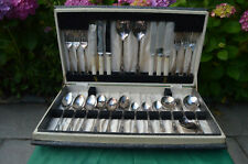 THIS IS A GREAT HAMILTON LAIDLAW CUTLERY SET FROM 1940, 31 PIECES IN ALL 1 PIECE