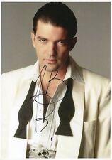 ANTONIO BANDERAS - Signed 12x8 Photograph - ZORRO