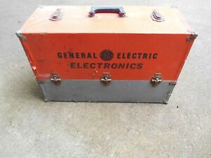 VINTAGE GE GENERAL ELECTRIC ELECTRONICS TUBE CADDY CASE RADIO/TV/AMP REPAIRMAN