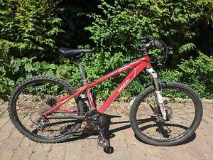 """Saracen Tufftrax junior mountain bike - 26"""" wheels, 14"""" frame (XXS)"""