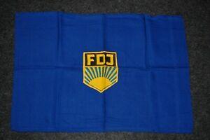 seltene kleine FDJ-Fahne mit aufgenähten Emblem, Größe 58x39,5cm