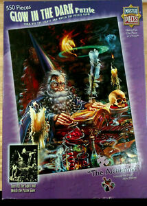 Master Pieces 550 Pieces Jigsaw Puzzle The Alchemist Glow in The Dark Wizard