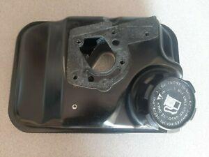 OEM Briggs $ Statton Fuel Tank ( 1 Quart Metal ) 495370 / 495368. Clean..No Rust