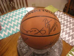 Kobe Shaq 2003-04 LA Lakers Team Signed Basketball Payton & Malone 13 Signatures