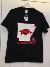 "ARKANSAS RAZORBACKS Gildan Black w/Arkansas ""State"" Tee Shirt. Men's Large. NEW."