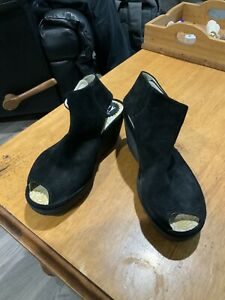FLY LONDON SUEDE SHOES SIZE 37