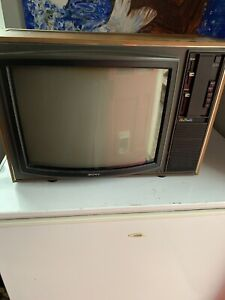 "VINTAGE  Sony KV1810UB 18"" Trinitron TELEVISION Retro Colour TV Film Prop Museum"