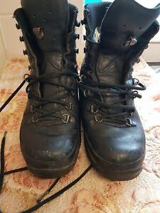 LOWA German Army SF Issue Black Leather GoreTex Vibram Boots Size 8.UK