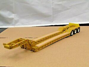 Diecast Master Cat yellow XL tri axle lowboy trailer 1/50 new no box..