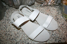 TROTTERS WHITE LEATHER STRAPPY SANDALS SIZE 11 M SLINGBACKS GINA