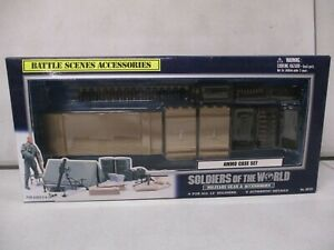 Soldiers of the World Military Gear and Accessories Ammo Case Kit