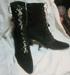 Stuart Weitzman Victorian Style Black Suede Lace Up Boots French Heel Size 9B