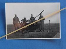 Foto Deutsche 2cm Flak mit Bedienungsmannschaft in Feuerstellung