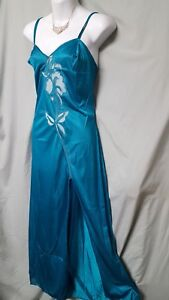 """Ventura  GREEN NIGHTGOWN W/LACE TRIM FRONT SLIT SEXY SIZE 1X 44"""" BUST"""