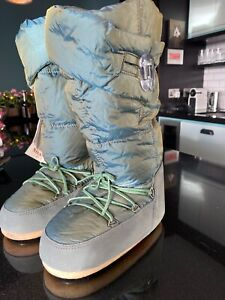 VINTAGE MOON BOOT GOOSE DOWN WINTER BOOTS MATCHING GLOVES TWO TONE GREEN 35/36
