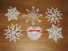 6 WHITE STARCHED CROCHETED SNOWFLAKE ORNAMENTS – SOME W/ RED BOWS