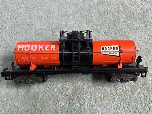 American Flyer #24324 Hooker Chemicals Tank Car orange/black knuckle EX all step