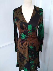 Essential Antwerp Ladies v fine  wool   bodycon Dress  size 8 approx greens