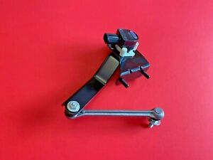 Suspensio mx AISIN Rear Right Ride Height Sensor for 2008-2015 Toyota Sequoia