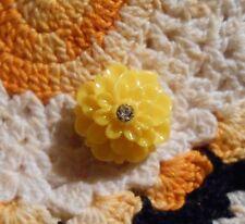 ~Cameo Dahlia Button~ Vintage Cameo~Acrylic 20mm~Lemon Yellow & Rhinestone