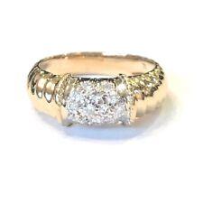 14k Yellow Gold Ladies Diamond Ring, with Scalloped Shank Pattern