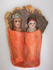 VINTAGE 1940'S ERA NATIVE AMERICAN SOUVENIR! BISQUE FIGURES IN LEATHER POUCH