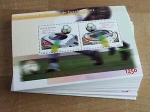 2002 Guinea-Bissau; 100 Blocks Fußball, Bl. 377, **/MNH, ME 800,-