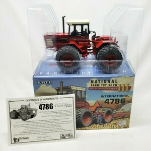 International 4786 4wd Tractor 2015 National Farm Toy Show By Ertl 1/32 Scale