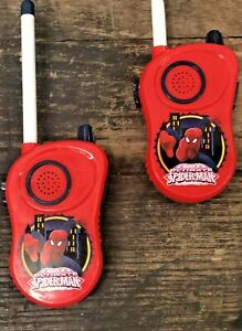 Marvel Ultimate SPIDERMAN Walkie Talkies PLUS Surprise Tiny Spiderman Figure