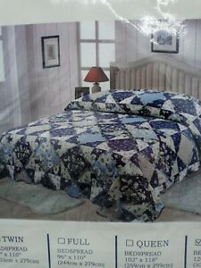 """Blossom Patchwork Bedspread Country Blue Floral King Size 120"""" X 118"""" New"""